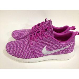 евтини nike roshe run дамски обувки за бягане лилаво черно за продажба