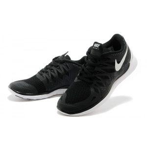 на едро nike free 5.0 дамски обувки за бягане черно бяло